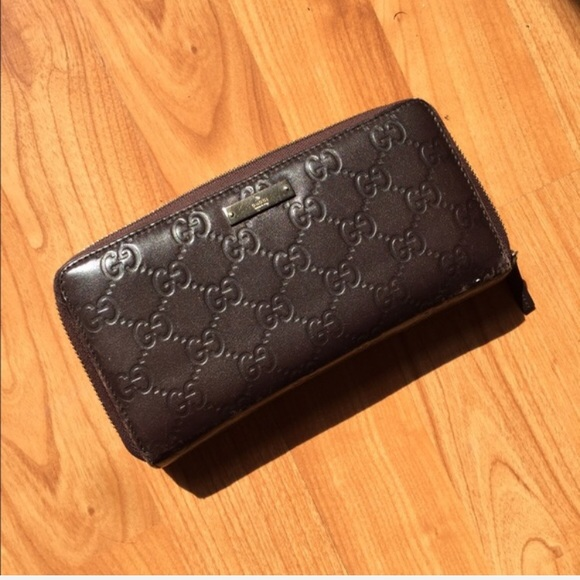 on sale 4f860 f613c Gucci Signature leather zip around wallet $620